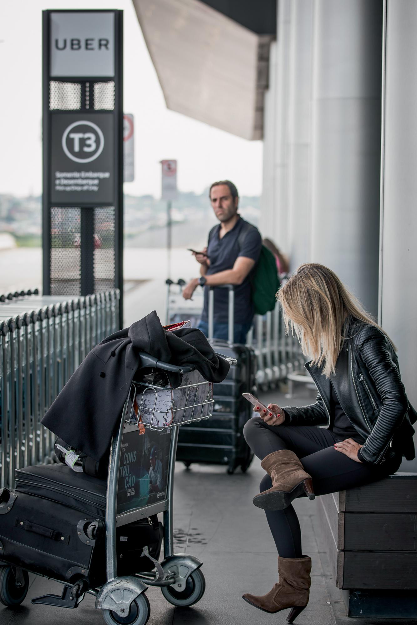 TESTE DE PACIÊNCIA -Espera longa: os cancelamentos deixam usuários à deriva -