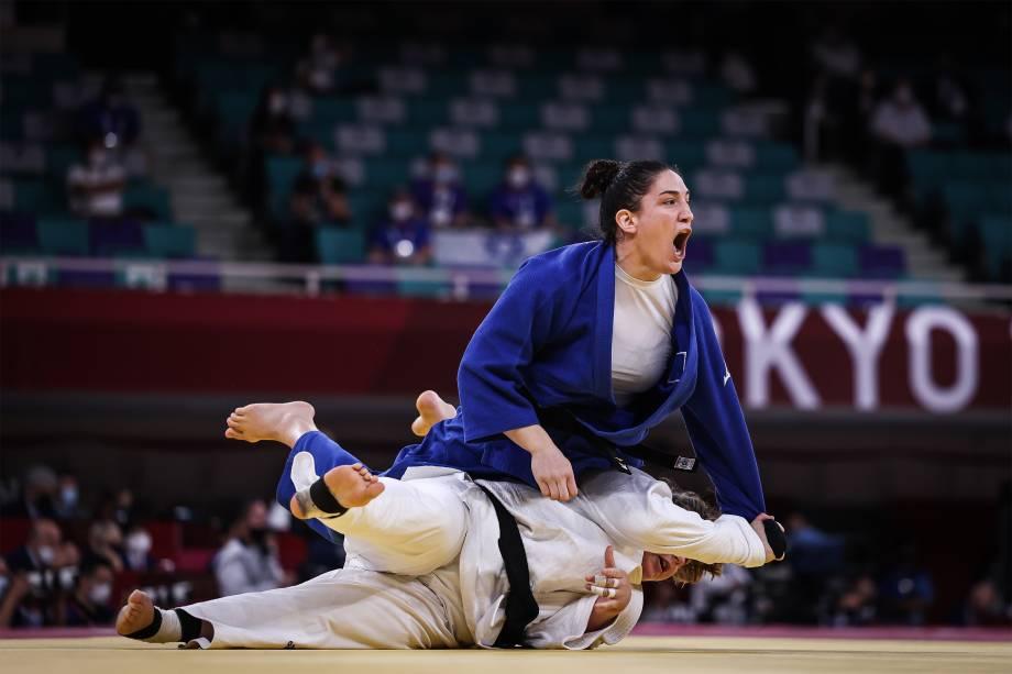 A judoca Maya Aguiar na disputa por equipes -