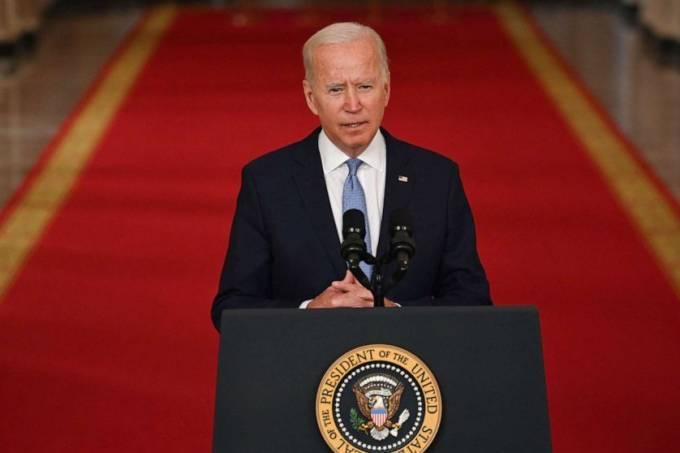 O presidente dos Estados Unidos, Joe Biden, discursa na Casa Branca nesta terça-feira (31)