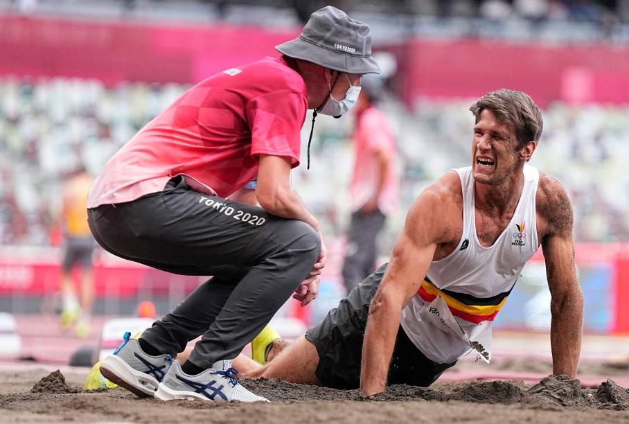 Thomas van der Plaetsen, da Bélgica, se lesiona após tentativa de salto em distância -
