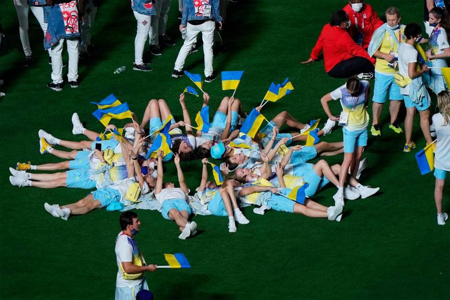 Delegação da Ucrânia durante a cerimônia de encerramento -