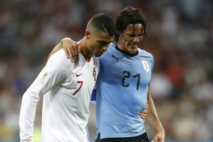 Cristiano Ronaldo e Cavani durante a Copa de 2018