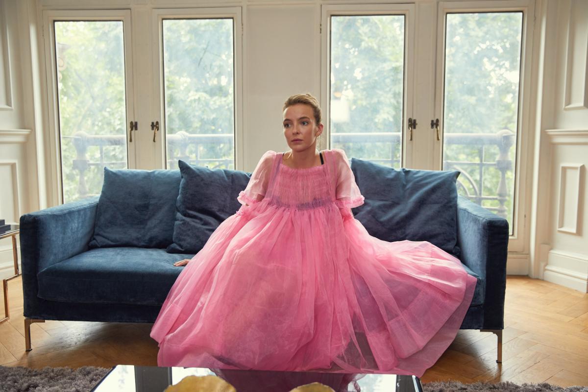 Jodie Comer como Villanelle, em 'Killing Eve': uma psicopata vestida a rigor