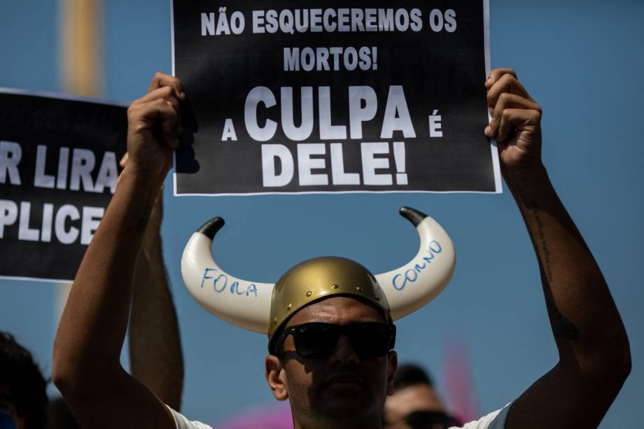 Protesto contra Bolsonaro em Copacabana, no Rio de Janeiro