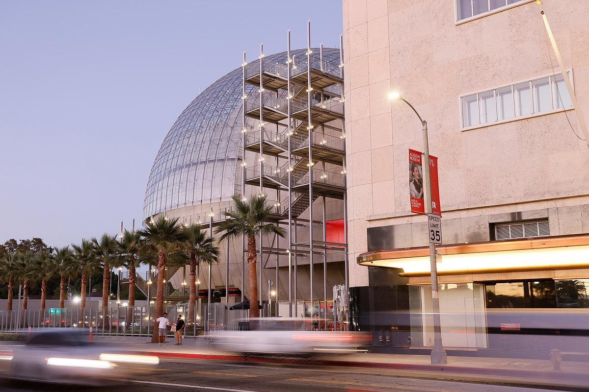 Visão do auditório do Academy Museum of Motion Pictures, museu dedicado à história do cinema, em Los Angeles