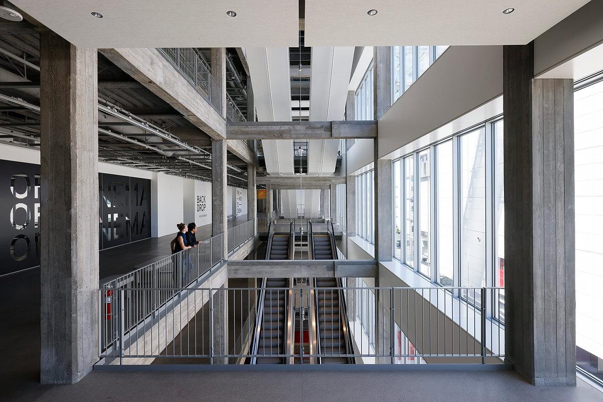 Andares do Academy Museum of Motion Pictures, desenhado pelo arquiteto Renzo Piano, do Centro Pompidou