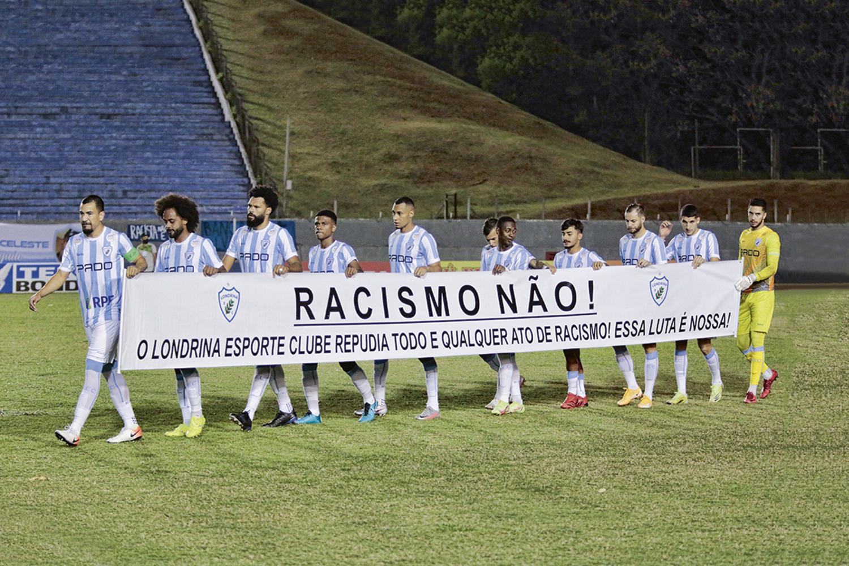 CORAGEM -Londrina (PR): repúdio ao racismo em partida válida pela Série B -