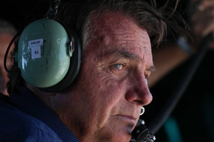 Bolsonaro sobrevoa ato em Brasília – 07/09/2021 –