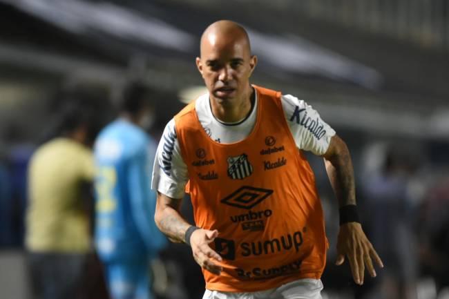 Tardelli foi ameaçado por um grupo de torcedores do Santos -