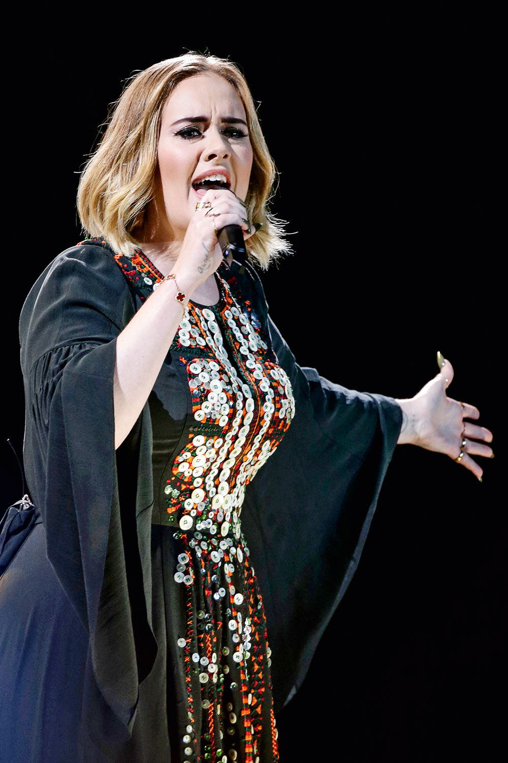 Albums of the century. Embargoed to 1500 Saturday October 12 File photo dated 25/06/16 of Adele, whose chart-topping 21 is the biggest album of the 21st century so far. Issue date: Saturday October 12, 2019. The north London singer's second effort beat albums by Amy Winehouse and Ed Sheeran to claim the top spot, according to the Official Charts Company. Credito: Yui Mok/PA Wire/AP/Imageplus