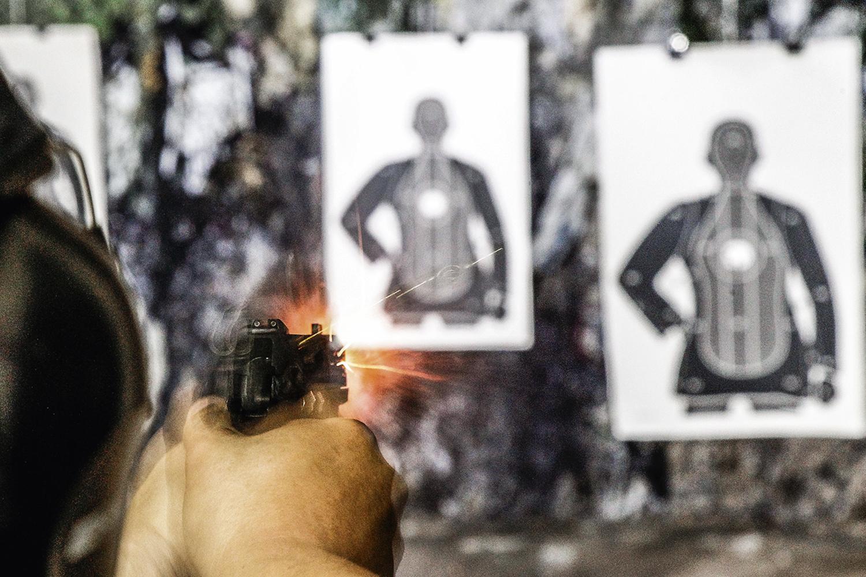 EM ALTA- Novos atiradores: o arsenal da população é quase o dobro do policial -