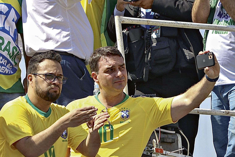 ZERO UM -Flávio Bolsonaro: o recurso que pode travar o caso das rachadinhas será julgado pelo STF -