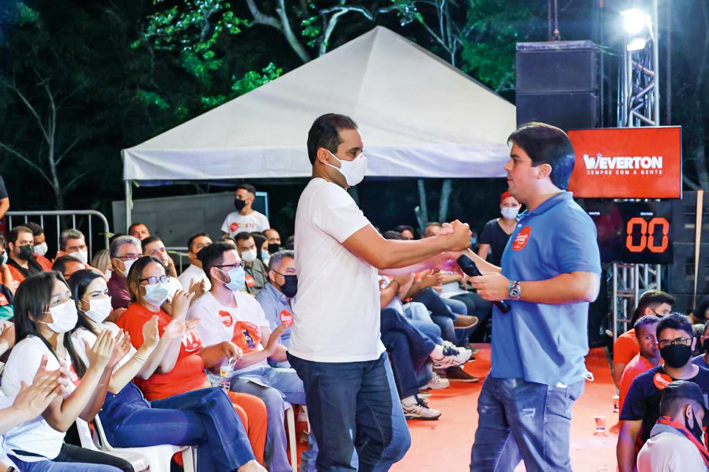 ACORDO -André Fufuca (à dir.): o presidente do PP sela apoio a Weverton Rocha (PDT), candidato de Ciro Gomes e Dino ao governo do Maranhão -
