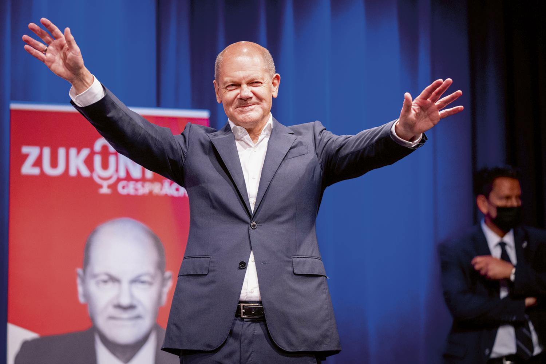 ESPERANÇOSO -Scholz: imitação de Merkel na campanha -