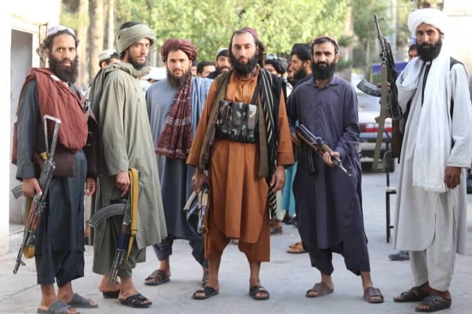 Taliban patrols Herat city