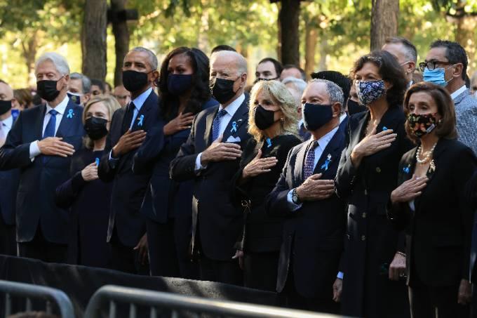 Autoridades dos Estados Unidos durante cerimônia em homenagem às vítimas dos atentados do 11 de setembro –