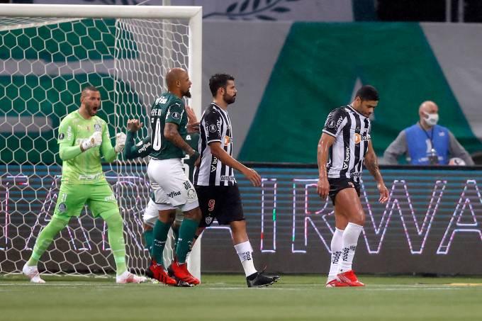 Hulk desperdiça pênalti diante do Palmeiras no Allianz Parque