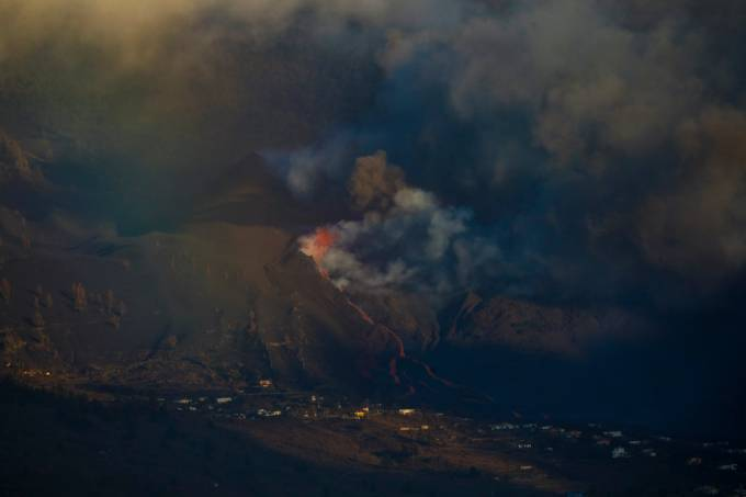Lava Reaching The Sea In La Palma Creates A Low Island More Than Half A Kilometre Wide