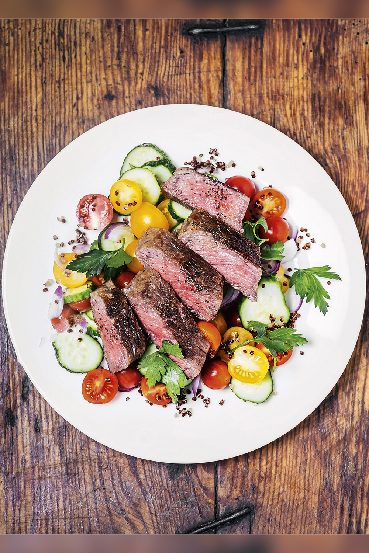 CARDÁPIO -Sugestão de almoço: muita proteína de carne bovina e vegetais -