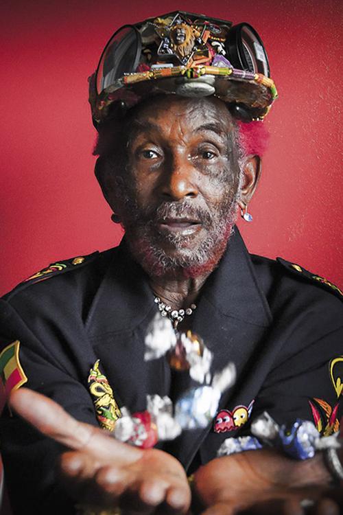 PIONEIRO- O produtor, compositor e cantor: o descobridor de Bob Marley -