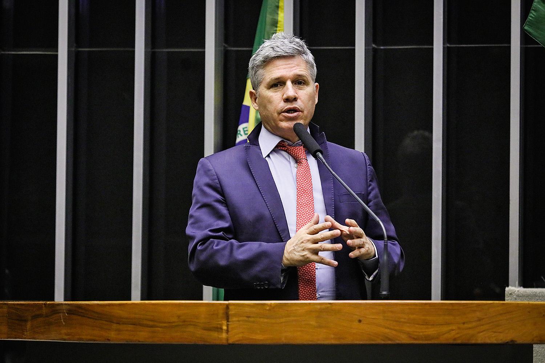 ORIGEM - Paulo Teixeira, do PT: o primeiro a propor a interferência externa -