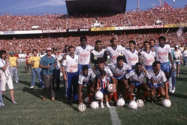 Time posado do Bahia, campeão da Copa União de 1988 -