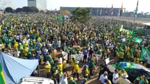 Manifestantes ocupam a Esplanada dos Ministérios no feriado de Sete de Setembro