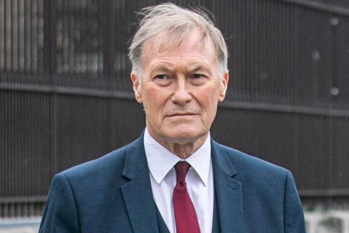 O legislador inglês David Amess, morto a facada nesta sexta-feira (15)
