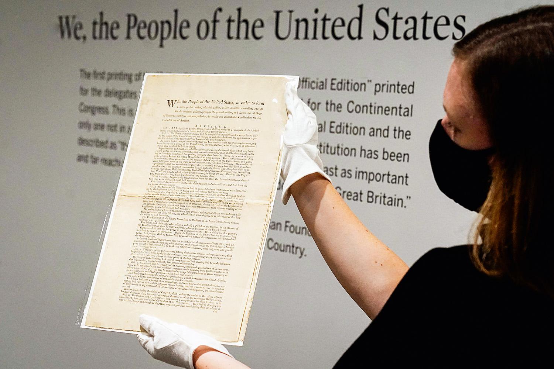 RARIDADE - A mais antiga Carta Magna existente no mundo: relíquia valiosa -