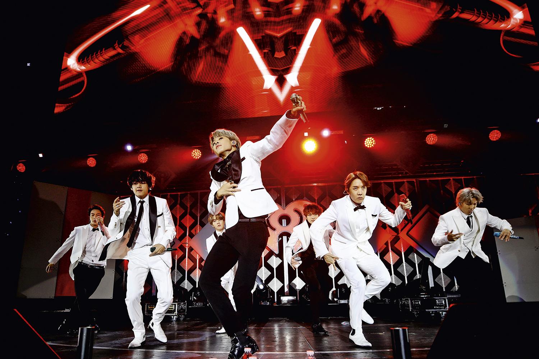 MÁ INFLUÊNCIA -A banda de K-pop BTS: medidas para conter o fanatismo dos fãs chineses -