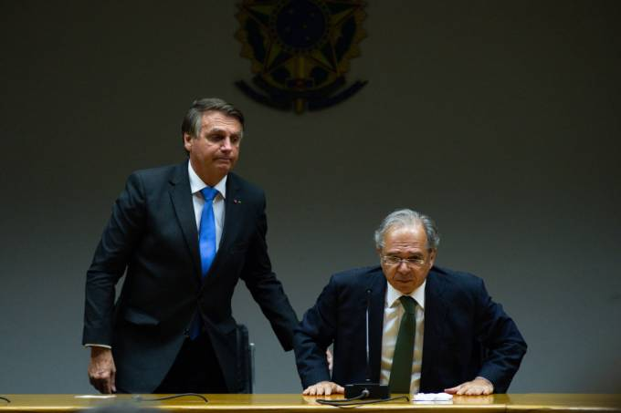 Bolsonaro Meets Minister Guedes Amid Economic Turmoil On Spending Cap Rule And To Dismiss Rumors of Resignation