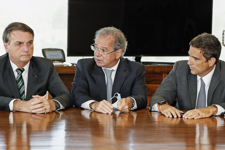 SOB PRESSÃO - Bolsonaro, Guedes e Campos Neto: incertezas aumentam a percepção de risco pelo mercado -