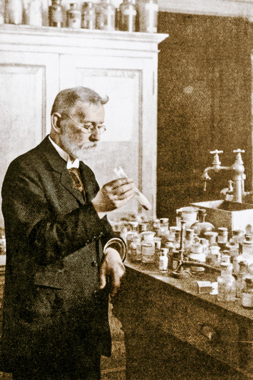 """PAI DA QUÍMIO - Paul Ehrlich: prêmio Nobel de Medicina, ele buscava a """"bala mágica"""" que atuaria apenas em células doentes -"""