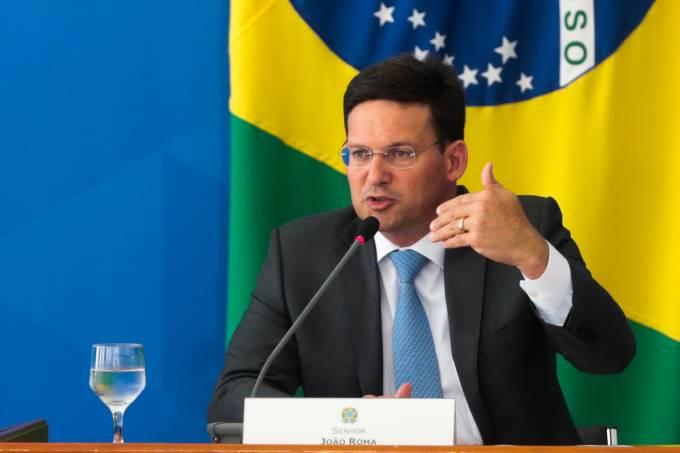 O Ministro da Cidadania, João Roma, fala à imprensa  no Palácio do Planalto, sobre as estratégias e rumos para o Auxílio Brasil, novo programa social do Governo Federal.