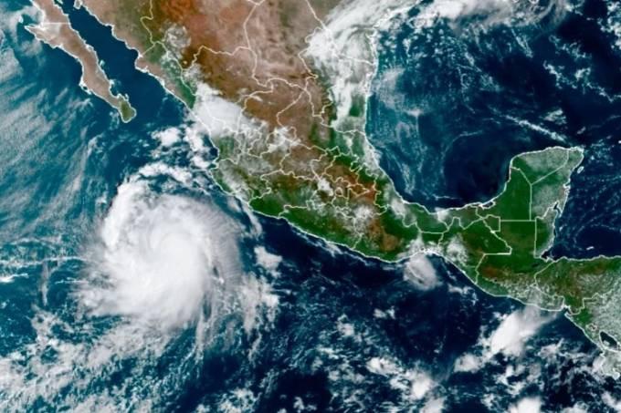 Furacão 'Pamela' ganha força na costa do México